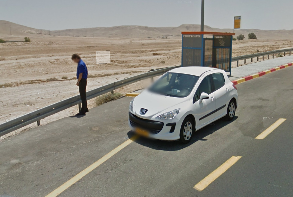 Driver with his wilkins out on highway 25, southern Israel. #geoguessr #explorer pic.twitter.com/G1vIQBGh5W