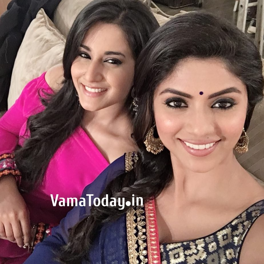 Do You Miss The Beautiful Chemistry Of This Mother And Daughter's Love?  Do You Want Naamkaran Part 2 Soon?  Then Tell Us By Commenting Below. . . . #aditirathore #avniayesha #neela #sayantanighosh #neelama #avnineilkhannapic.twitter.com/DhUmUbAbhf