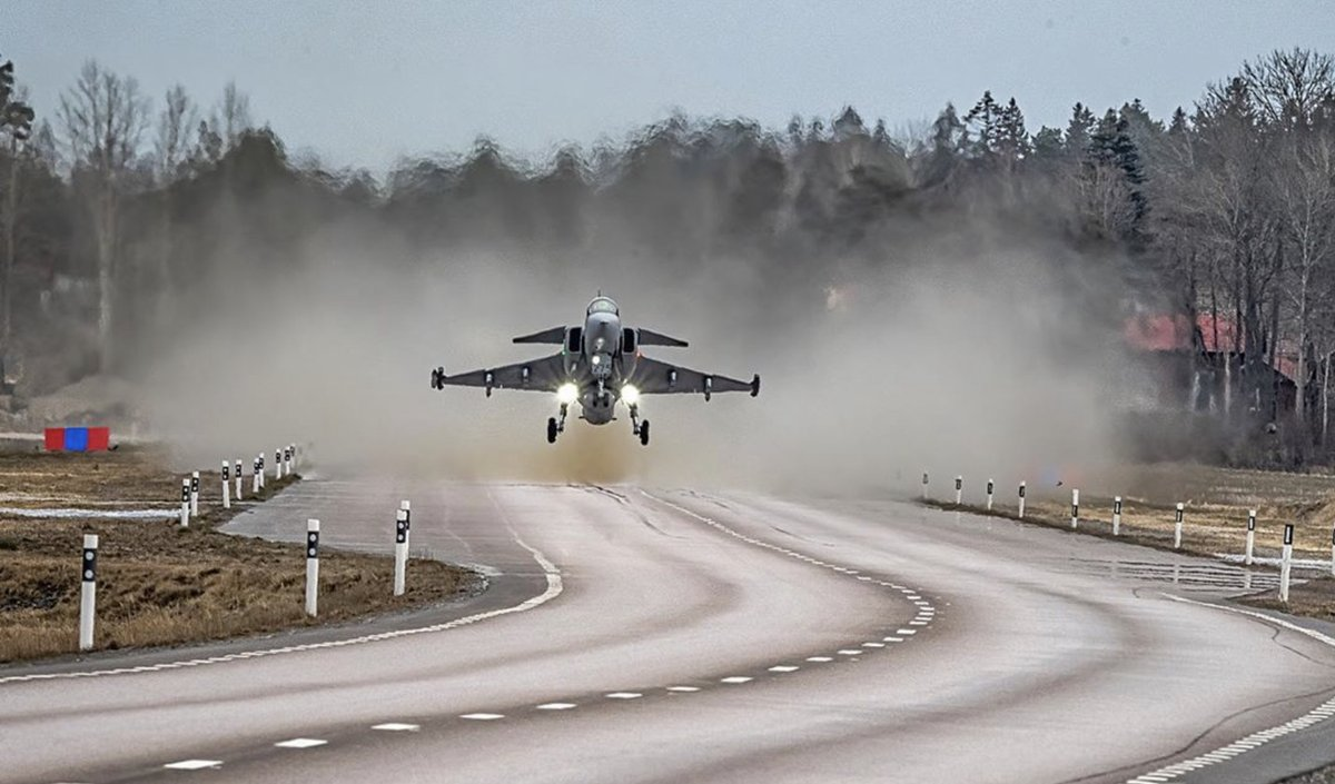 Fine - and it's good manners to alert the neighbors before you take off. @Saab