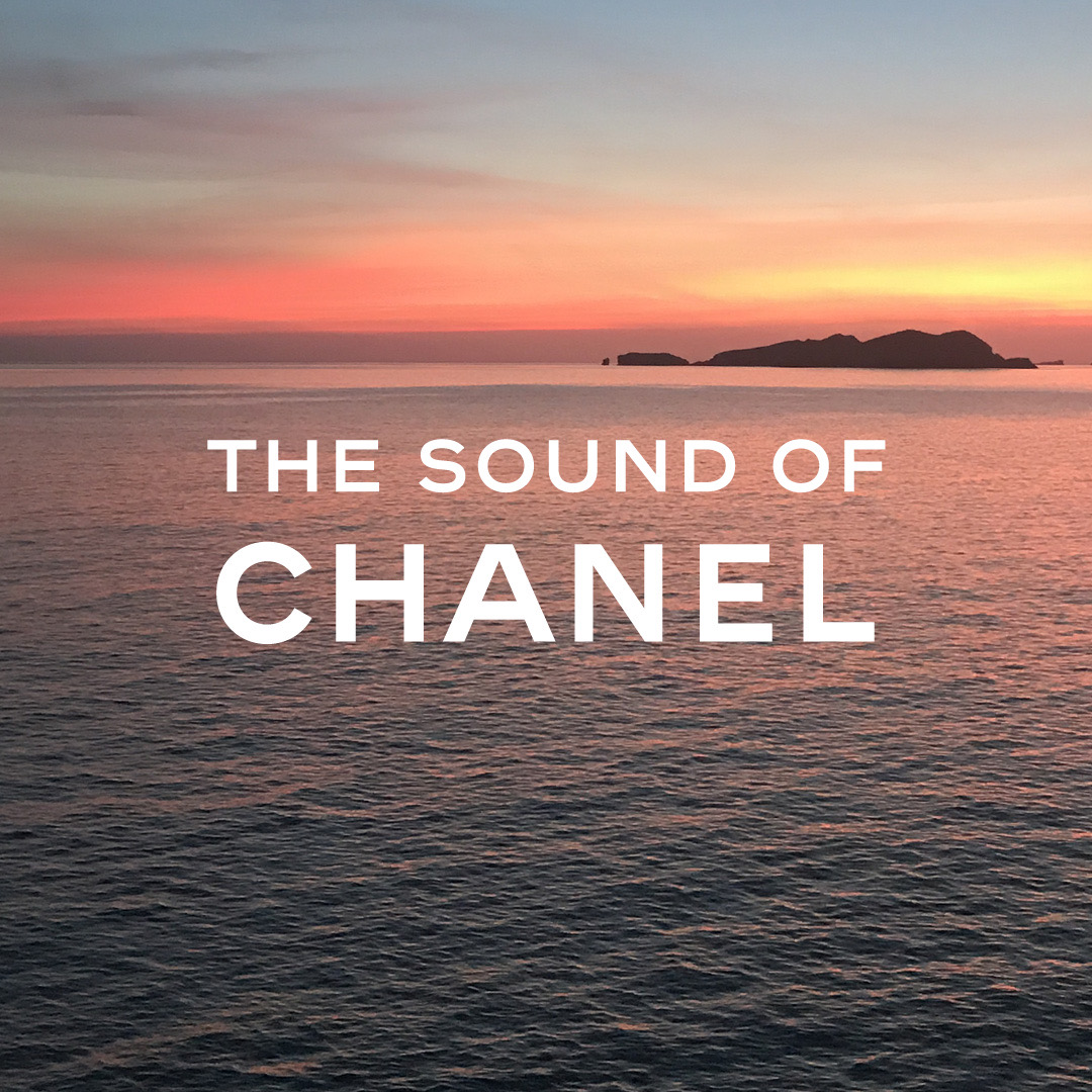 'The Sound of CHANEL' July playlist, now playing on Apple Music. https://t.co/U5r7dwNkoh  #TheSoundofCHANEL  @AppleMusic https://t.co/cpMTRtoxVO