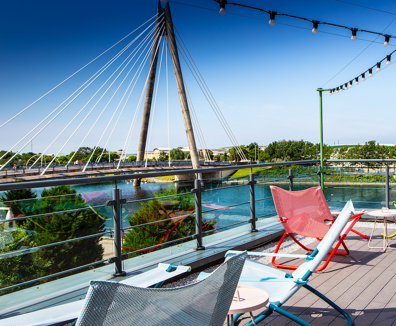 It's hot out there, approximately 27 degrees kinda hot 🔥🌡.  We're helping you stay cool at our Bar & Roof Garden... Roof Garden sundowners anyone? - Betty  BOOK NOW: https://t.co/2psrbsLL9I https://t.co/5Gjh2voxYw