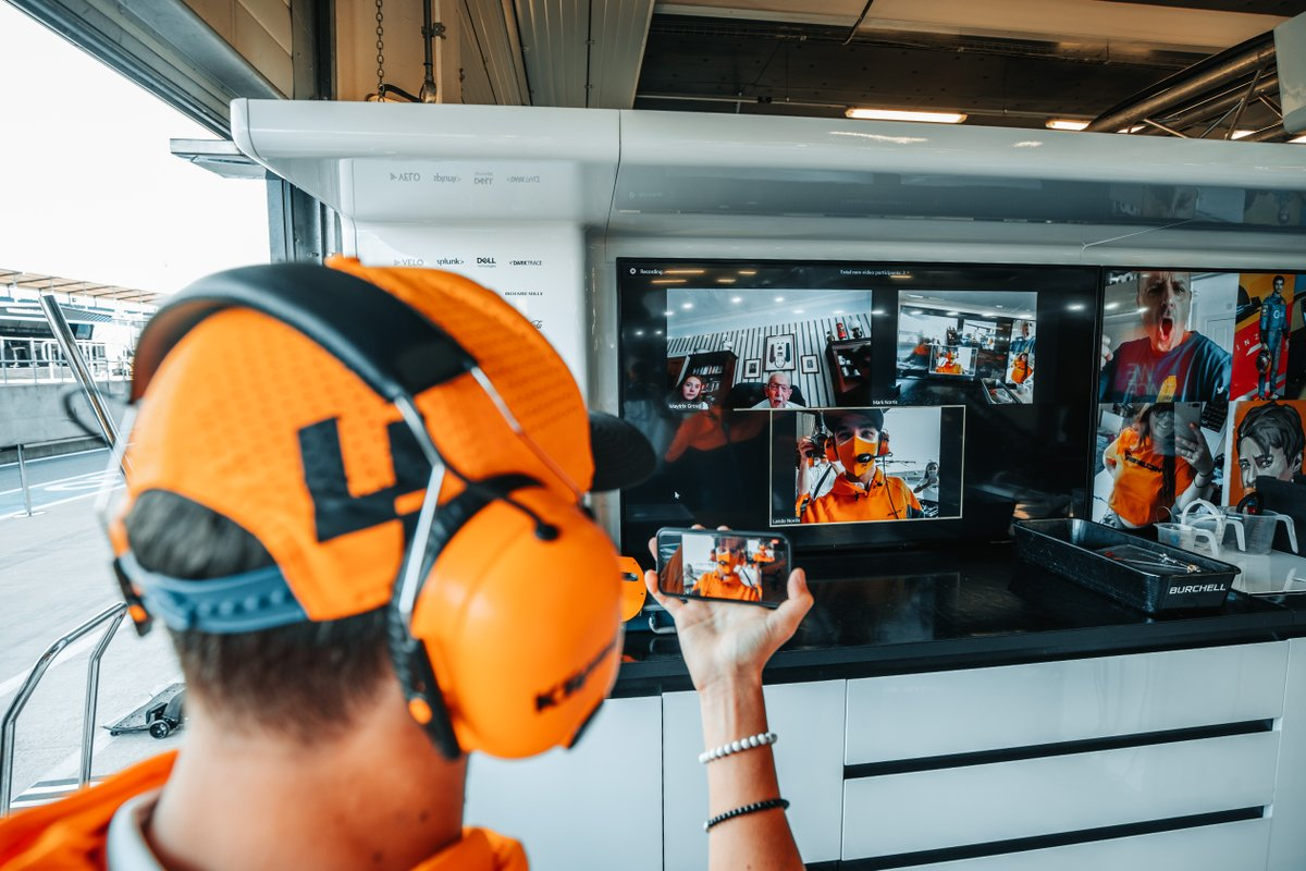A garage tour with a difference for the very special @captaintommoore   👏 @LandoNorris  #BritishGP 🇬🇧 (🎥 @McLarenF1) https://t.co/uZbsftA6qa