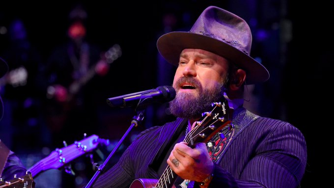 """Happy 42 Birthday to Zac Brown....Enjoy a \""""cold beer on a Friday night!!!\"""""""