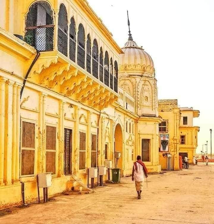 @narendramodi मेरे राम की नगरी अयोध्या धाम की एक अलग ही चमक है। जय सियाराम 🚩🙏 https://t.co/0QOIXG7Abs