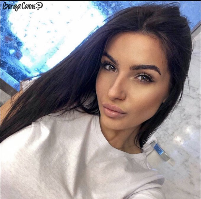 Gorgeous SWAROWSKAYA 💎  A girl who is great at everything! 🍰 Have you already met someone like that?