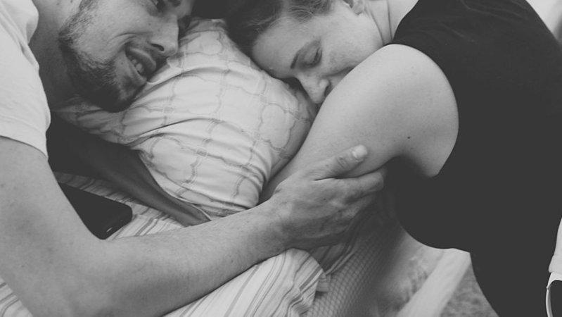 Ci sono donne che la pandemia l'hanno vissuta in attesa di diventare mamme, con preoccupazioni e paure. Eppure dopo il lockdown non sono ancora state riaperte le sale parto ai papà. Nausica chiede di poter riaprire le sale parto ai papà.  ✍️ https://t.co/ZqY8jX4lIb https://t.co/sJMbw7gXXQ