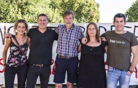 Se confirma que nuestro encarcelamiento fue una operación contra la paz en Euskal Herria. Hoy es el día para recordar que no existe justicia independiente en el Estado Español. Hoy es el día para recordar a los presos políticos vascos, exiliados y deportados y exigir su libertad.