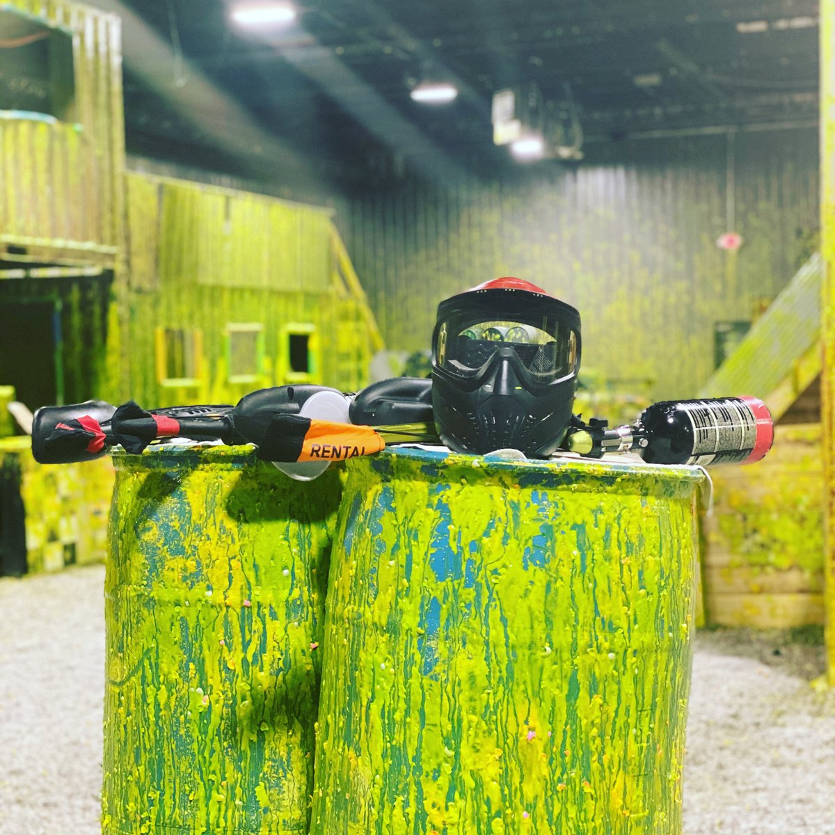 #paintball #paintballislife #playinside #fullthrottleadrenalinepark #cincinnati #checkoutourpaintballfield 😍🙌 https://t.co/KRi8h0aVPU