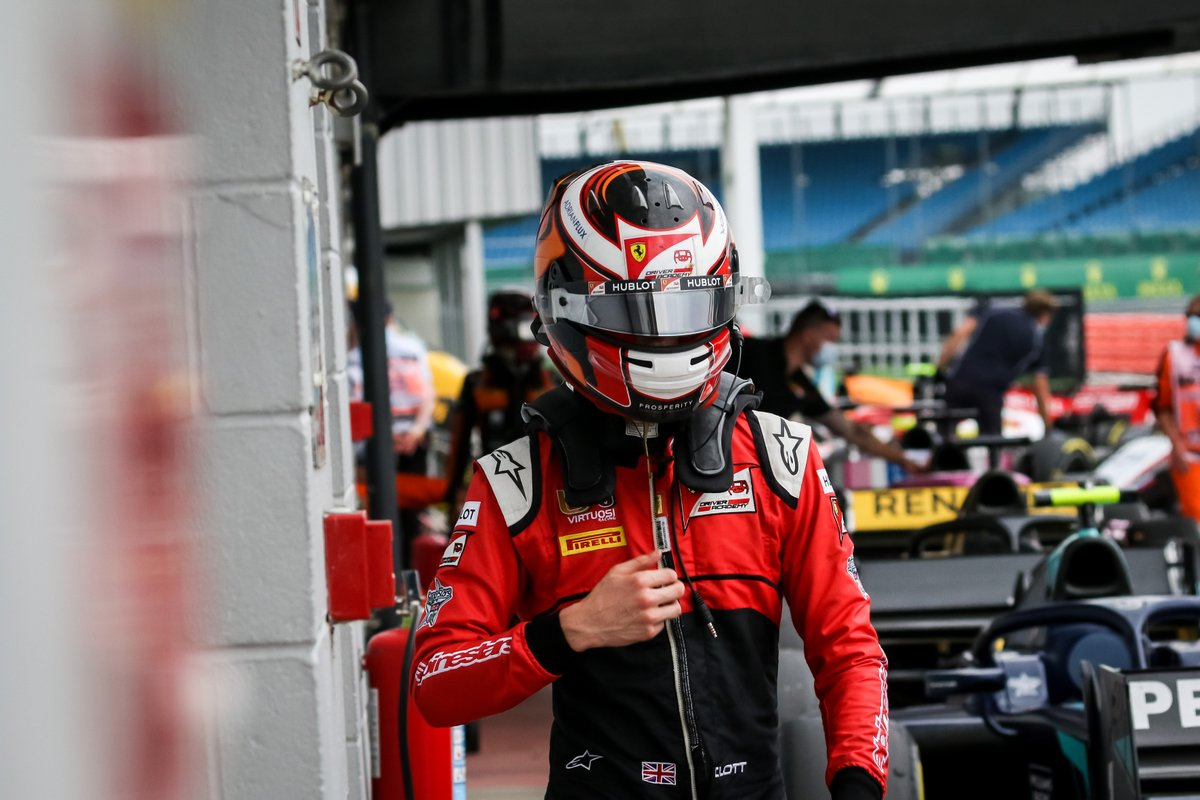 Mr Consistency 😎  @callum_ilott has been in the top three in every qualifying session so far! 👏  #F2 #Formula2  📸: Dutch Photo Agency https://t.co/loZyq1XdUb