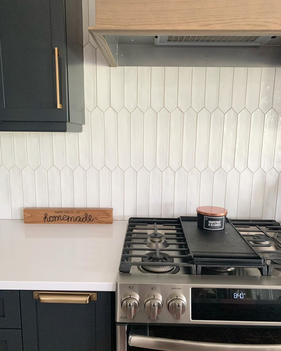 Centura Tile Vancouver On Twitter Kite S Elongated Hexagon Shape Adds A Little More Personality When You Re Considering An All White Backsplash Great Work Done By Ournewcanadianbuild View Kite Online Https T Co Ncxcqoz7tk Featurefriday