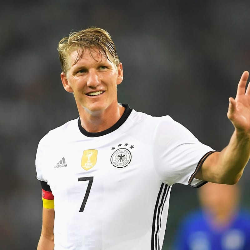 Happy birthday to the German hero Bastian Schweinsteiger. Danke Schweini.