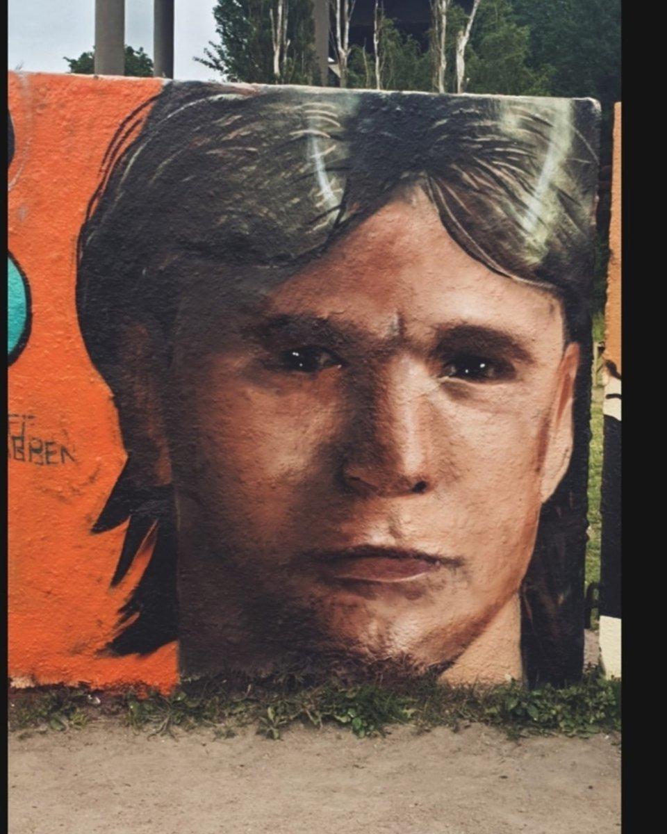 Artist: @Graffgrabben Wall: #Göteborg, #Draken, #pintura #colores #muralismo #mural #streetartSweden #artSweden #artistSweden #arte #streetartSweden #graffitiGöteborg #graffitiSweden #instagraff #streetartGöteborg #Swedenstreetart #montanacolors #rödastenkonsthall #wallspotpic.twitter.com/9KkDZh8oH9
