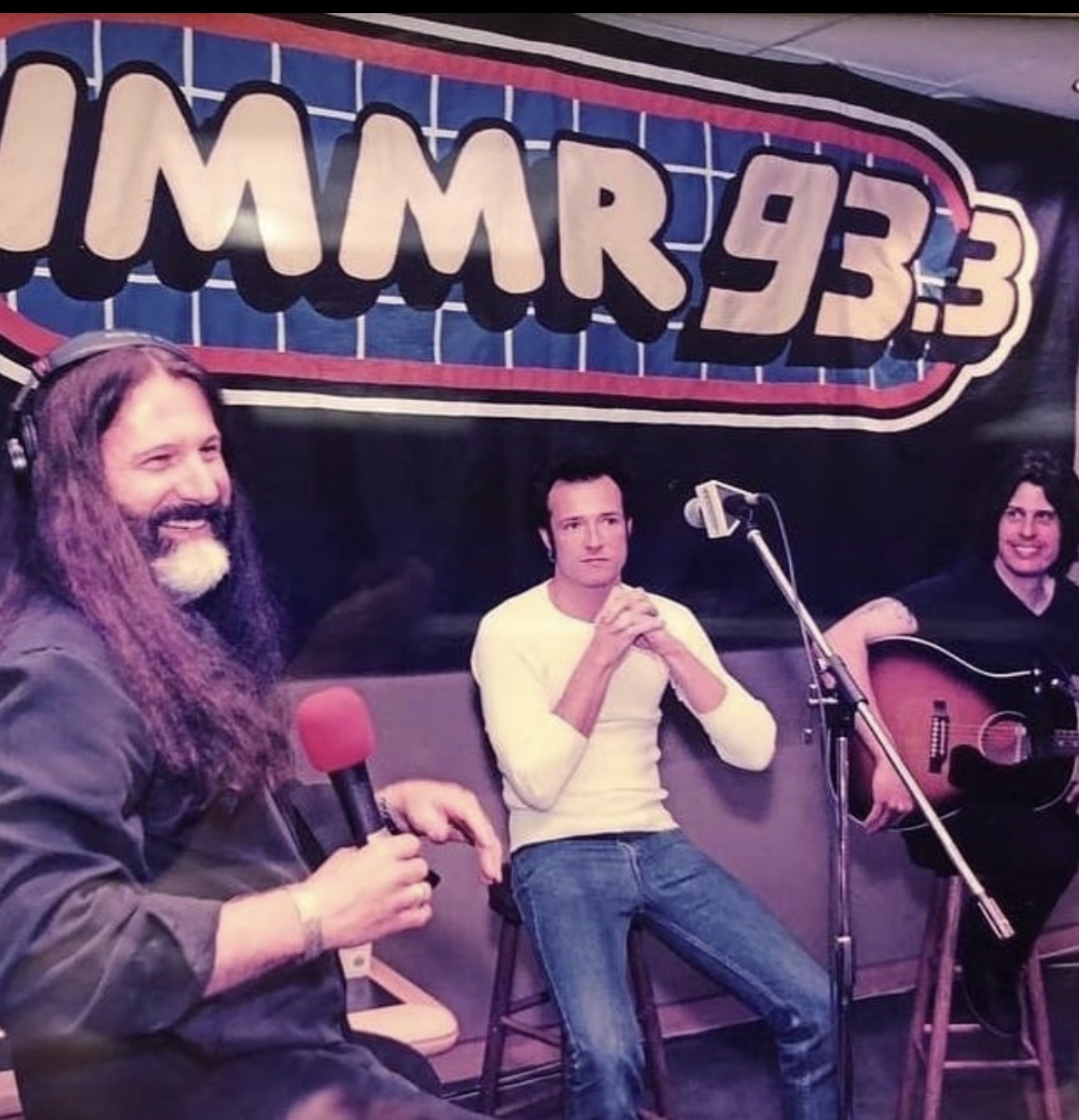 A fun chat with a great friend of @933WMMR, Dean DeLeo of @STPBand, ahead of their @nugsnet 'Core' PPV live show tonight at 8pm EST on https://t.co/IHHDnXMFjH. 'Core' won a Grammy in 94, hear about that, a photo from the first time we met and more here: https://t.co/UNBBgdUvwd https://t.co/ICerBVPHs3