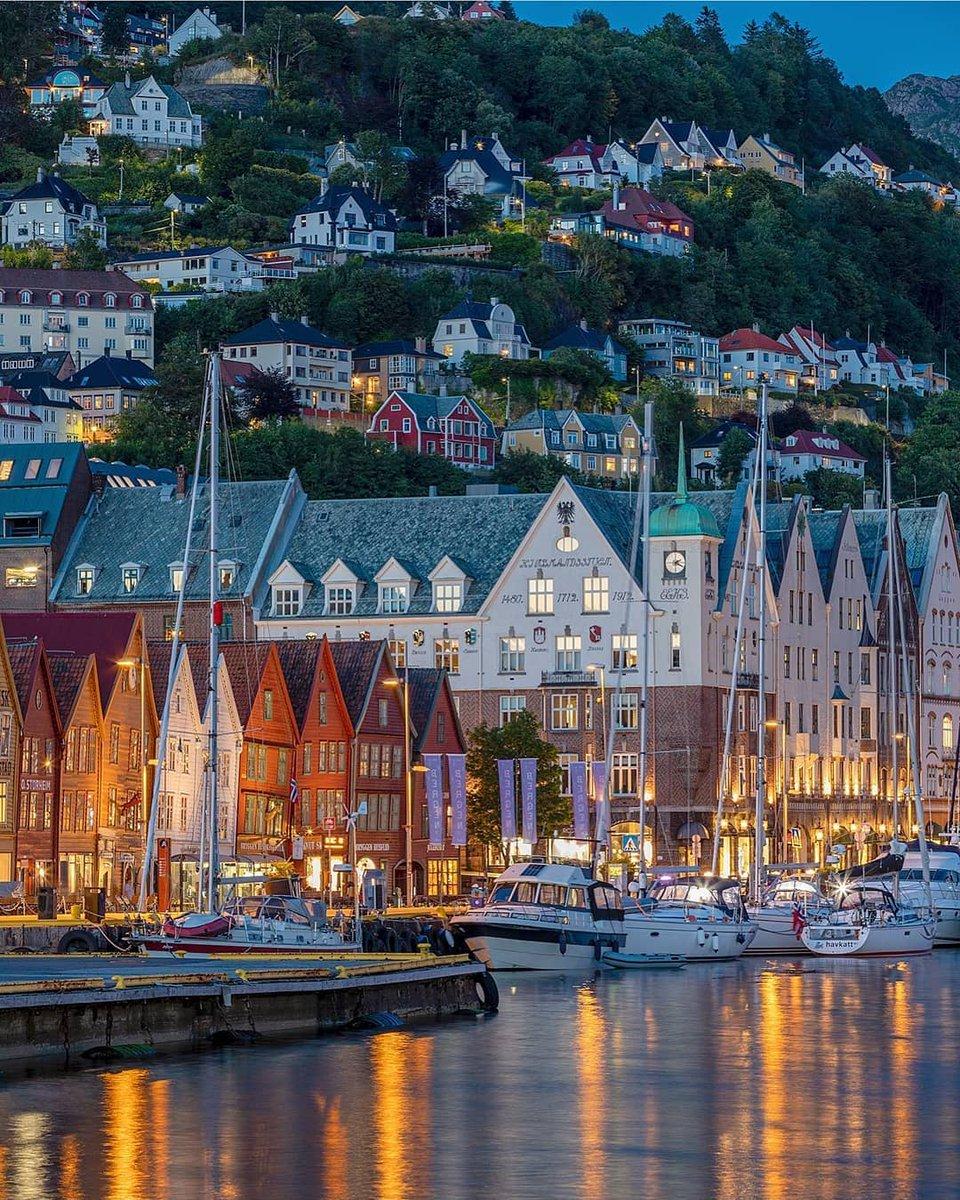 Beautiful  Please Follow Us for more - @squareofin  Please Follow Us for more - @squareofin    : @ atleihagen   : Bergen, Norway  #BeautifulDestinations #Village #Travel #InstaTravel #NatGeoTravel #Ig_Europe #TravellingThroughtheWorld #IamaTraveler #TopEuropePhoto pic.twitter.com/RQKsGxwaqr