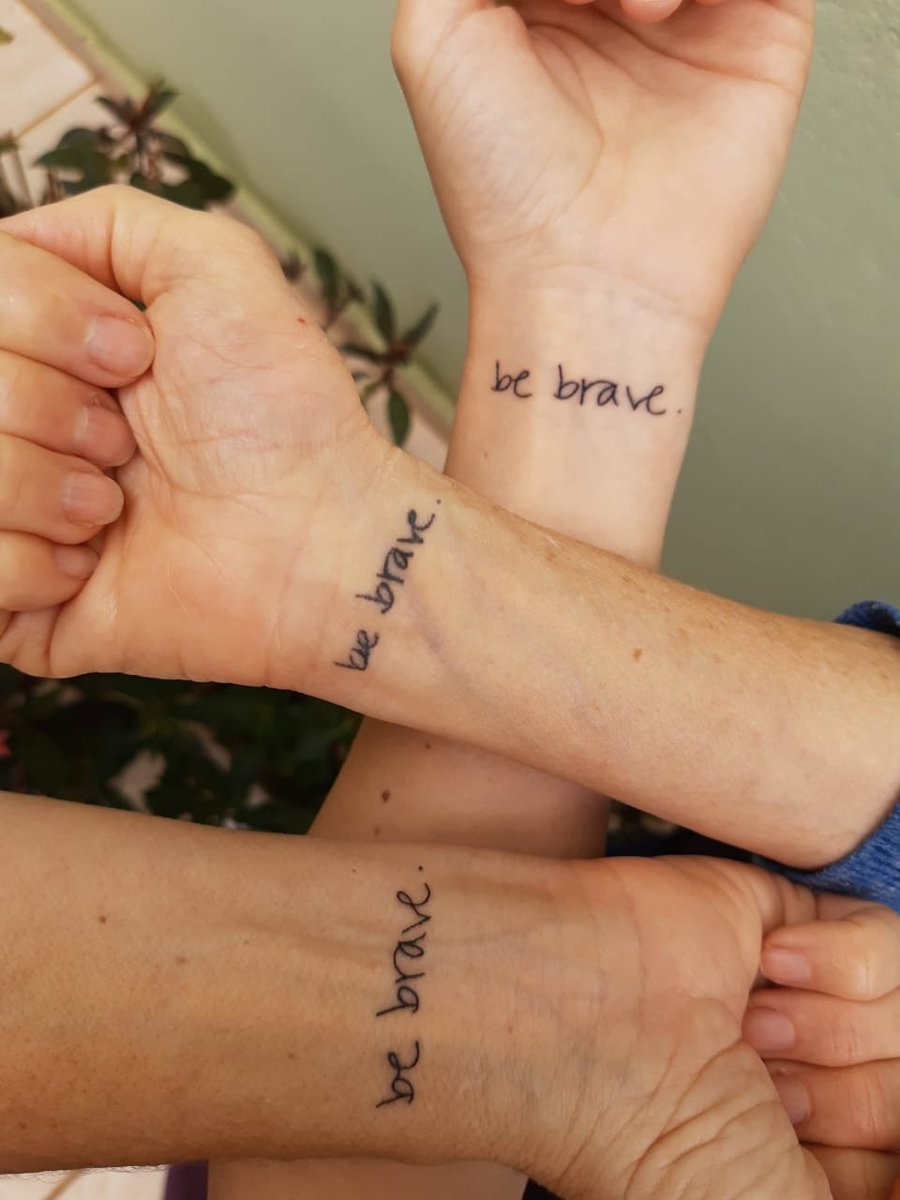 ✨three generations of brave women   much love from my mom, my aunt and myself. we're so grateful, @SaraBareilles 💛 https://t.co/LKJDOobc1t