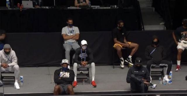 詹姆斯:安東尼他們來看我的比賽,這是兄弟之間的尊重!(影)-黑特籃球-NBA新聞影音圖片分享社區