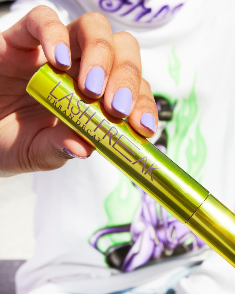 Get the boldest lashes ever with the all-new Lash Freak Mascara, available online and in-store at all US retailers TOMORROW 💚 Cant wait? Get yours NOW using the link: bit.ly/3988UEL @Sephora @UltaBeauty @Macys @Nordstrom #UrbanDecay #LashFreak #Lashes #Sephora