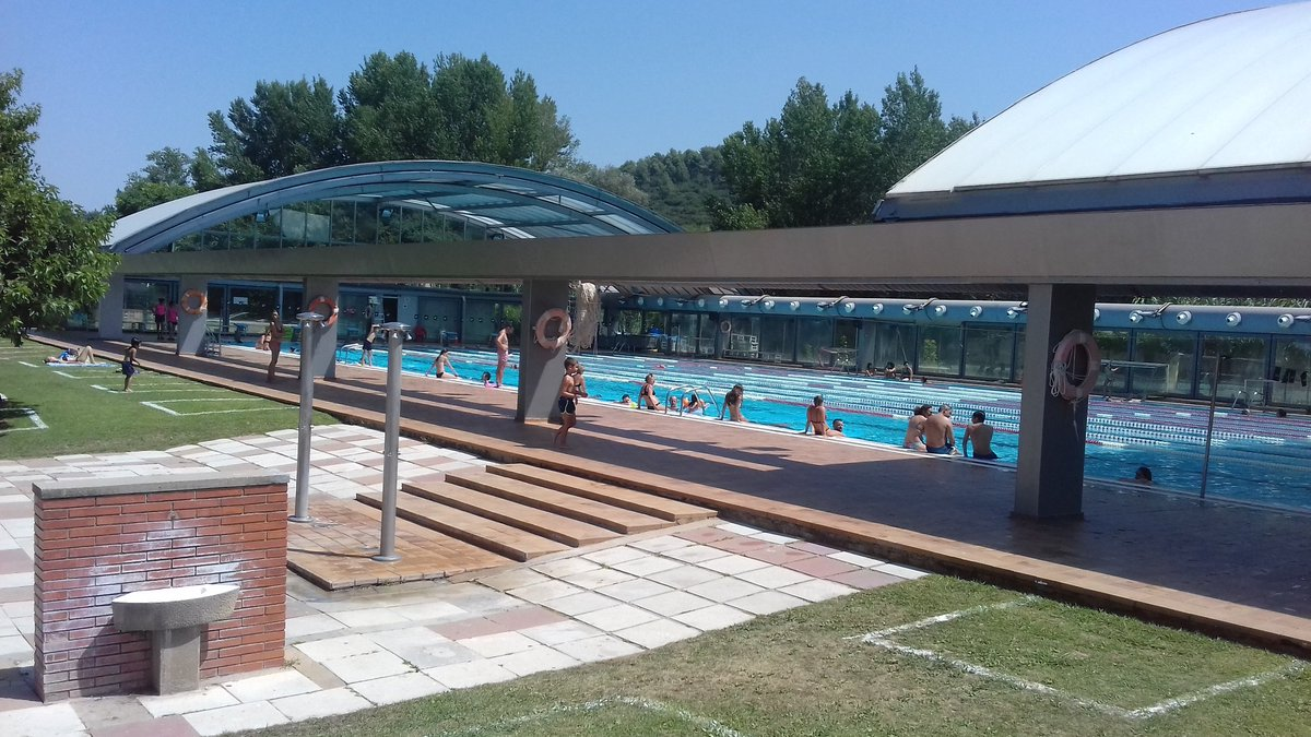 Apunts del primer d'agost. Sota unes estrictes mesures de  seguretat, la piscina olímpica del @geieg1919 Sant Ponç #girona #catalunya recupera, de mica en mica, la seva millor versió  #natacio #aigüesobertes https://t.co/mJRTCFo0fN