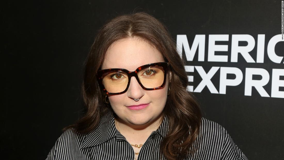 lena-dunham-says-her-coronavirus-symptoms-went-on-for-weeks Photo