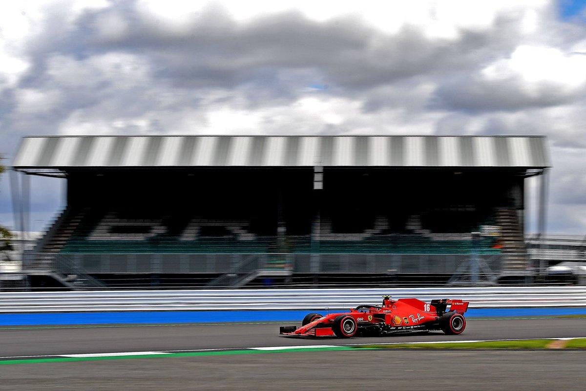 Vueltón de Leclerc que le aúpa hasta la cuarta posición, el mejor de mitad de parrilla. Nueve décimas más rápido que el crono de Vettel, que ha cometido un error. La batalla entre Ferrari, McLaren y Stroll promete #F1 #BritishGP https://t.co/v6rzKlzbew