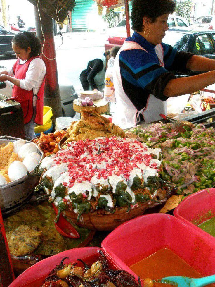 #Hoy   📌 Es día del Comerciante 👩🌾🙋🏻♀️solidaricemonos con nuestros productores y comerciantes consumiendo sus productos para una reactivación económica eficiente. #YoConsumoLocal 👍 https://t.co/LJxBUZNXOx