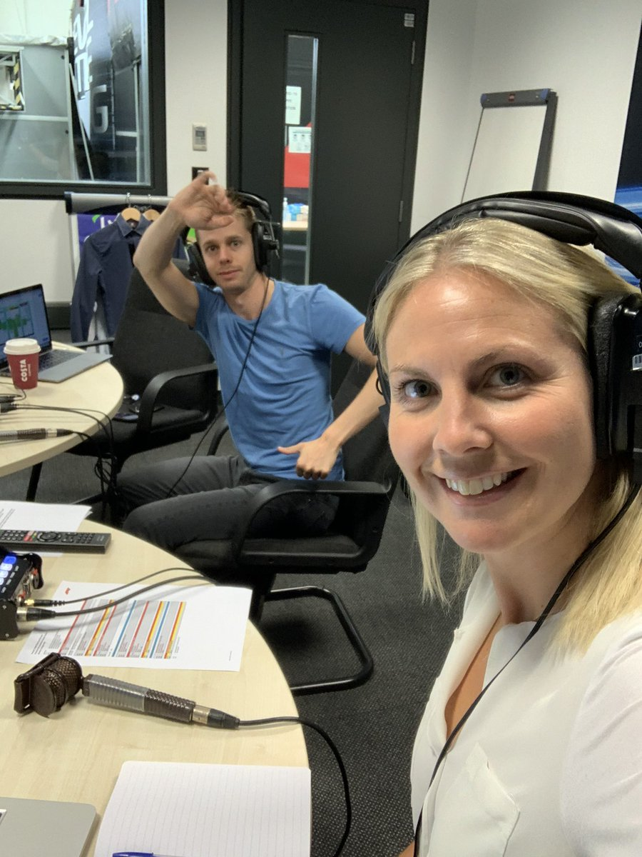 In the commentary box again - this time with @AlexBrundle 💁🏼♀️🥳🤩 #f1 #fp3 #practice #practiceforthempracticeforme https://t.co/oDrKS4loyB