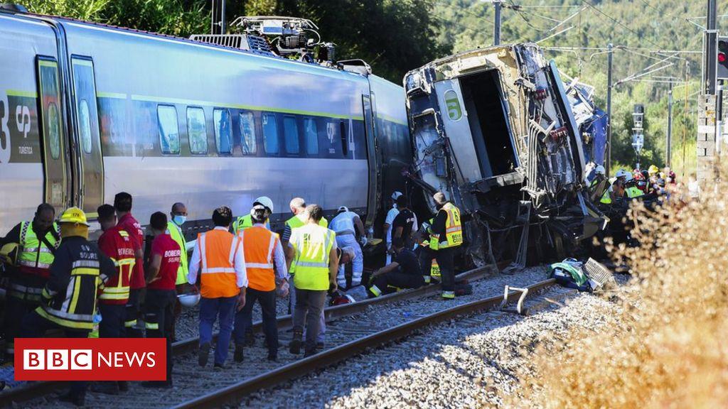 coimbra-train-crash-two-dead-after-train-derails-in-portugal Photo
