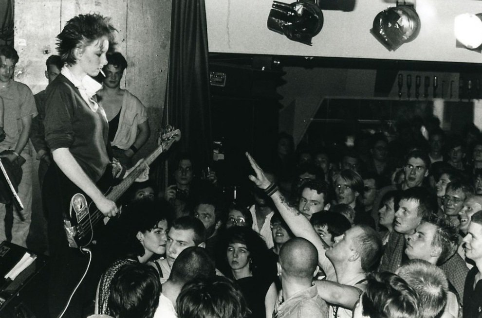 Love this pic of @rockyoriordan staring out neo-Nazis at a Pogues gig. Dont know who took it.