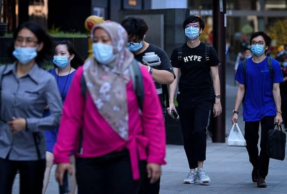 Mandatory face mask use: Public generally compliant, self-disciplined #AWANInews #EnglishNEWS english.astroawani.com/malaysia-news/…
