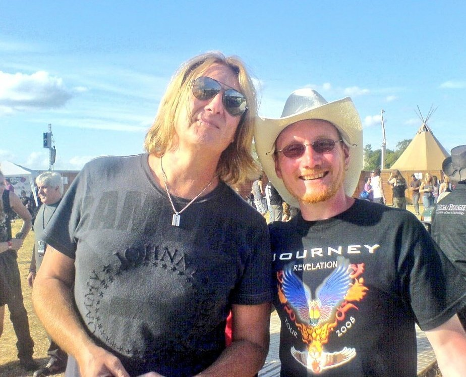 Happy Birthday to Joe Elliott...  and certainly felt like it was mine meeting him in 2009.
