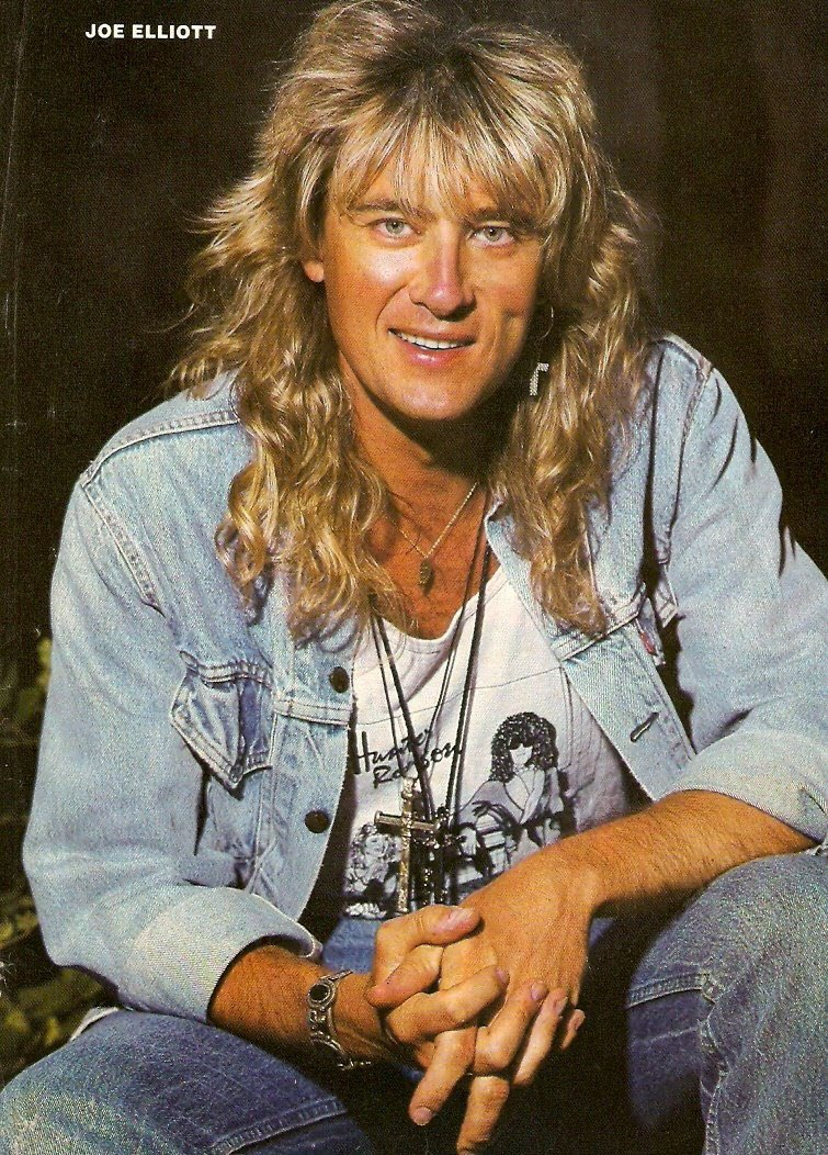 Everyone say happy birthday joe elliott