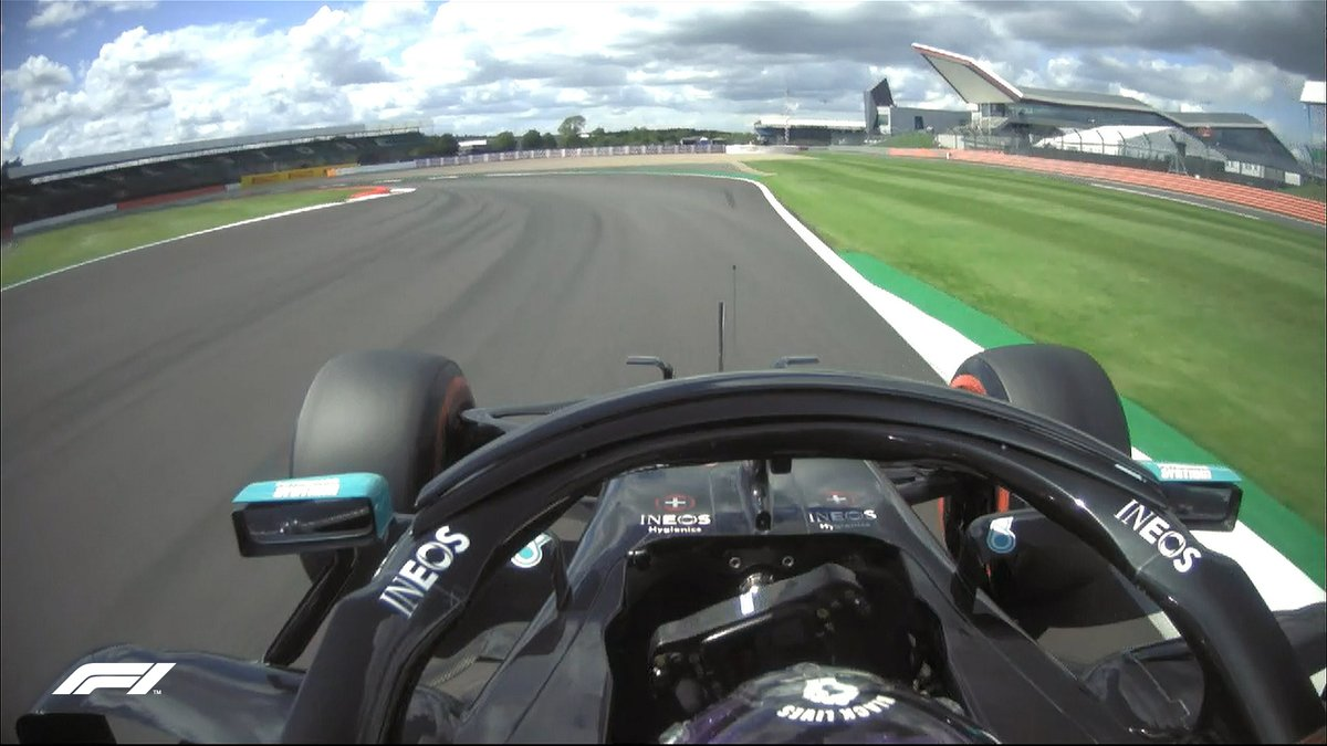 Mercedes are on 🔥🔥🔥  Hamilton (P1) and Bottas (P2) are over a second ahead of the field after their first Q3 runs...  Wow! 🤯  #BritishGP 🇬🇧 #F1 https://t.co/m4kJl8EFCK