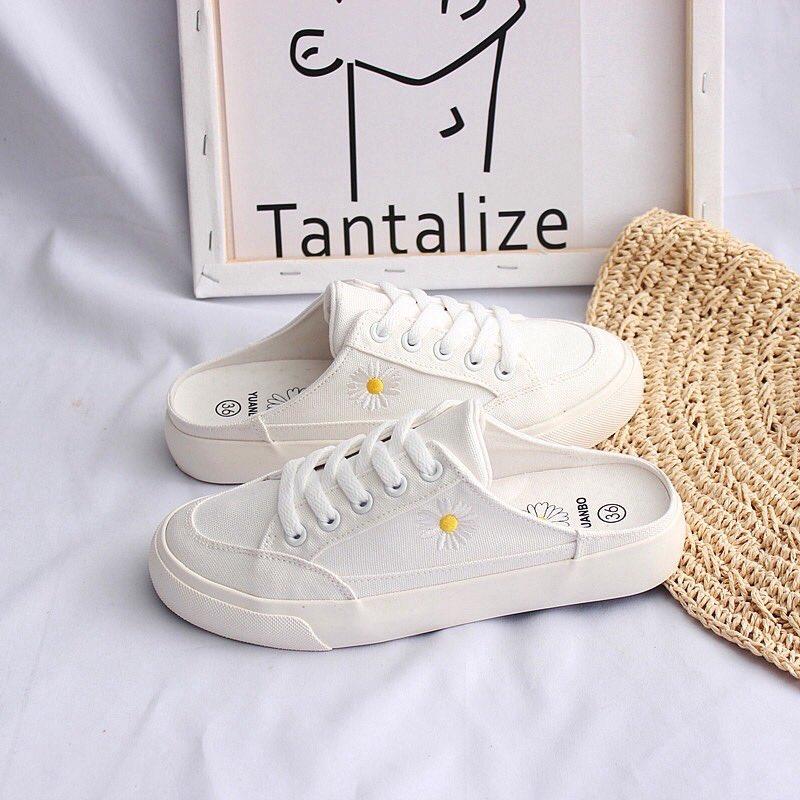 รองเท้าผ้าใบดอกเดซี่มี 2 สี  Size : 35  - 40 Pice : 500 {รวมส่ง} {พรีออเดอร์} 7-15 วัน  #รองเท้าผ้าใบ  #พรีออเดอร์ #พรีออเดอร์จีน https://t.co/XxaV1iPfAB