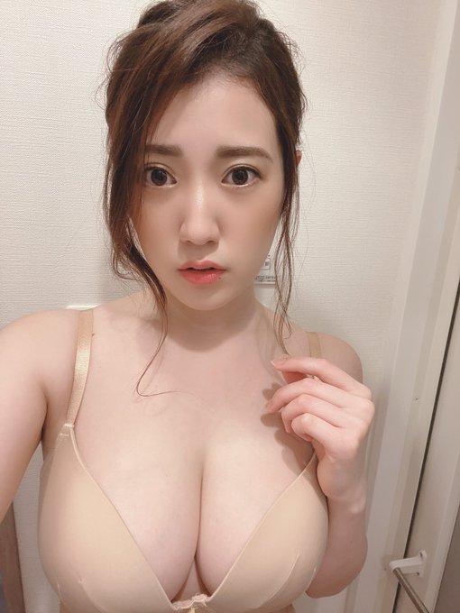 グラビアアイドル草野綾のTwitter自撮りエロ画像10