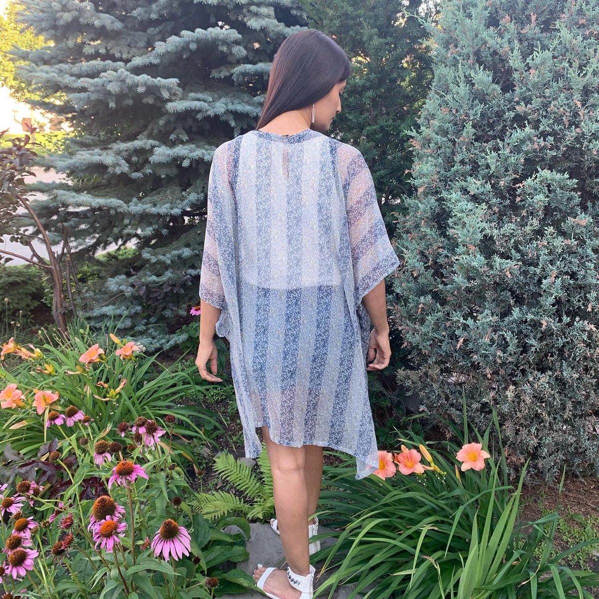 Long weekend mood. Blue beach kimono now in our Etsy shop. Size can be customized.  Shop our Kimono collection here ~ http://etsy.me/2qDoT9B #kimonostyle #coverups #weekenvibes #poolready #beachkimonos #weekendmoodpic.twitter.com/7qZn5z9sMU