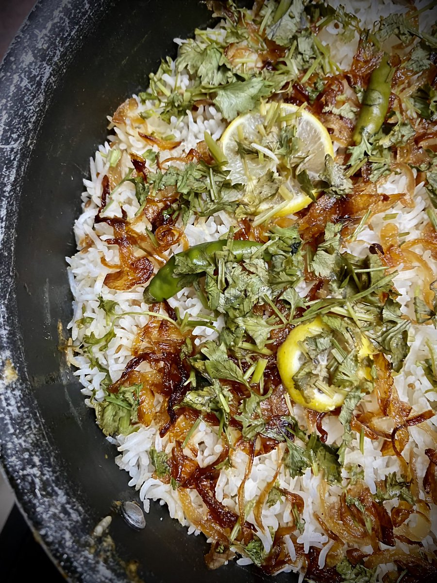 Chicken Biryani aaj k dinner scene me. #RewardDay https://t.co/ecooKJyTPG