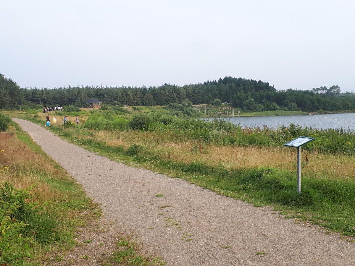 Corona-patrulje ved Nysø ved Varde. Der bliver holdt god afstand i den smukke natur #politidk https://t.co/Df3GxlQcoZ