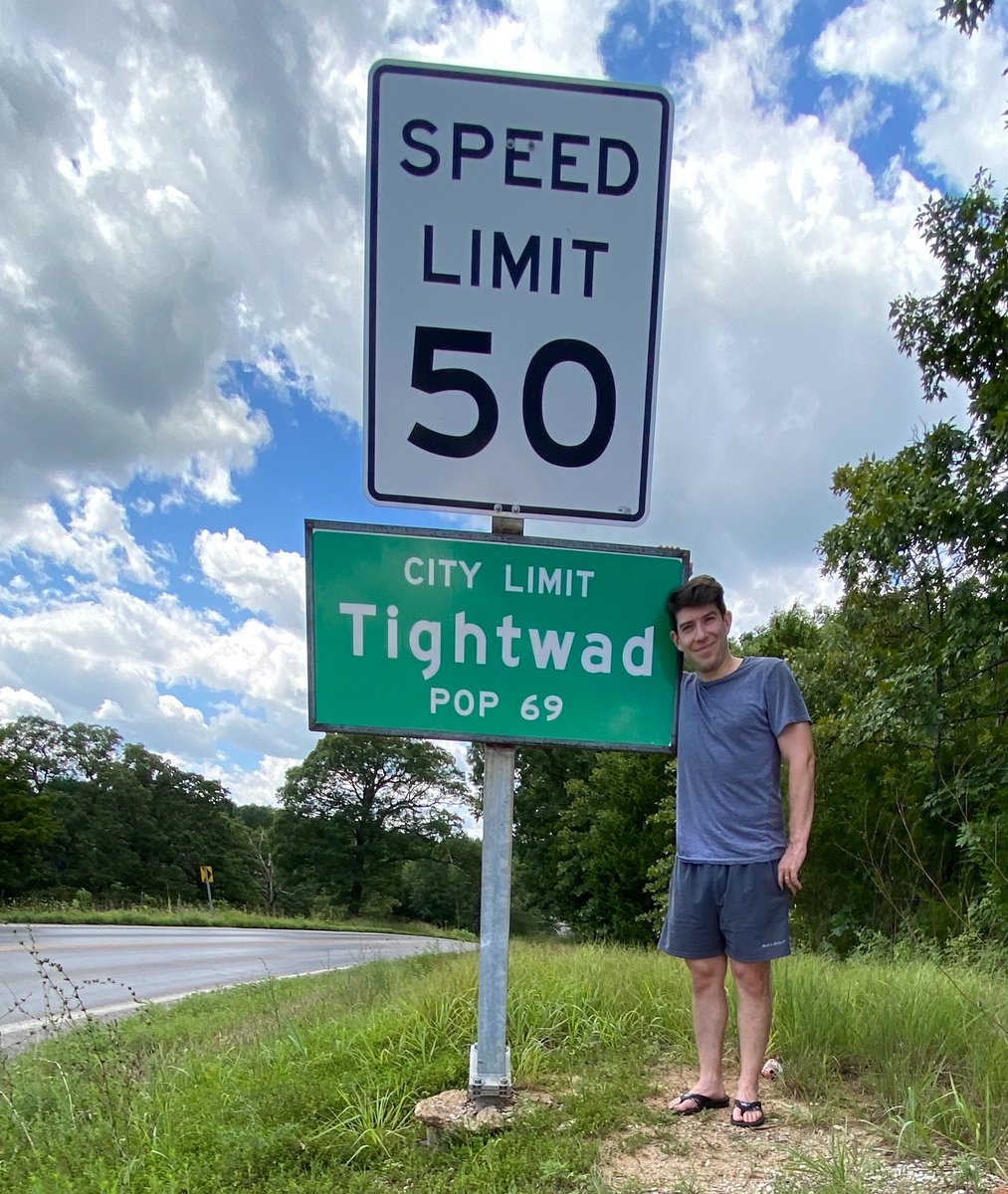 Had the great pleasure earlier today of driving through Tightwad, Missouri, the nicest village in America. https://t.co/s3rlt71bon