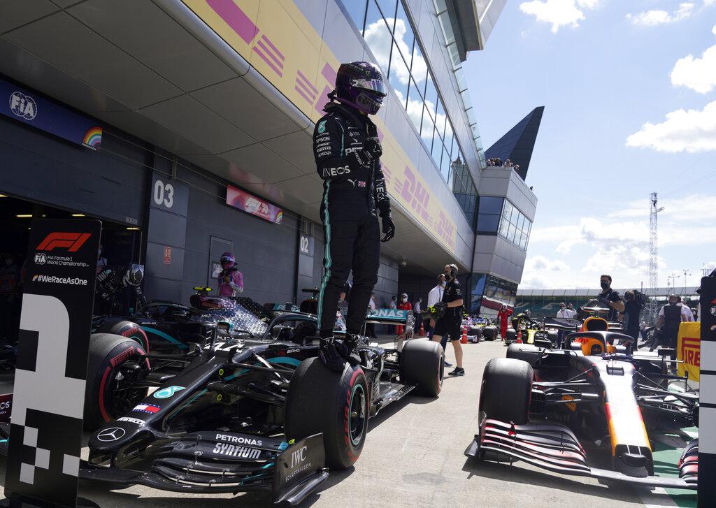#F1 Hamilton logra la pole para el GP de Gran Bretaña https://t.co/y8RWWn26Xi https://t.co/qewAIvuV8s