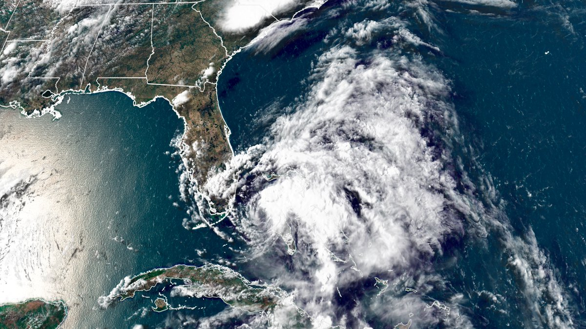 Isaias has been downgraded to a tropical storm, but it's expected to strengthen back into a hurricane as it approaches the Florida coast https://t.co/HqeRUbvlxJ https://t.co/DbAVtXCpoM