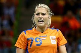 🤾♀️ INFO DO HAND!  Estavana Polman ficará de fora das quadras por um bom tempo. O site holandês informou que a jogadora lesionou o joelho. Força! 🙏 . #Handball https://t.co/cPlQhLMU0z