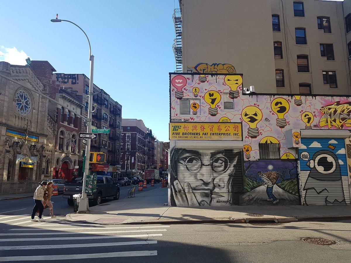 Wow this #StreetArt theme is a treat for the eyes! 1. John & Yoko in New York 2. The Republic of Užupis, Vilnius 3. Putin & Trump, Vilnius 4. Street Art County Kerry style Share yours with hosts @Adventuringgal @TravelBugsWorld @carpediemeire @TravelingNess @SuchetaDoshiMD twitter.com/carpediemeire/…