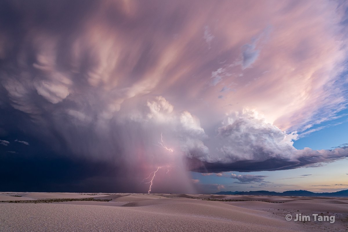 RT @wxmann Majestic dusk thunderstorm yesterday over White Sands National Park after it dropped ping-pong ball hail in the dune fields. One of the most incredible scenes I have ever witnessed. Unforgettable! #nmwx #stormhour https://t.co/5MbztuTJ1N