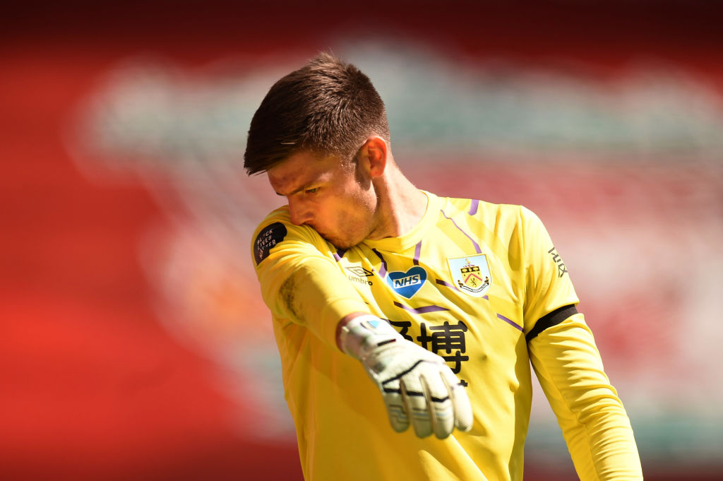 The papers say Burnley goalkeeper Nick Pope is a target for Chelsea with Kepa Arrizabalagas future at the club increasingly uncertain. All the latest gossip! ➡ bbc.in/30hJPEB