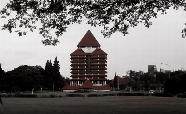 UNIVERSITAS TERANGKER DI INDONESIA — A Thread —