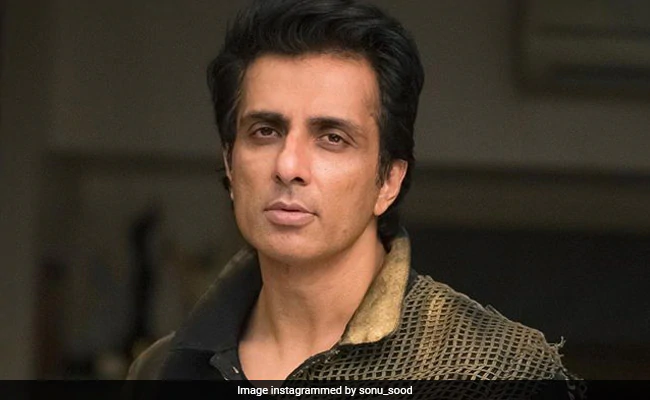 Sonu Sood Takes Up 'Responsibility' Of 3 Orphan Children From Telangana ndtv.com/india-news/son…