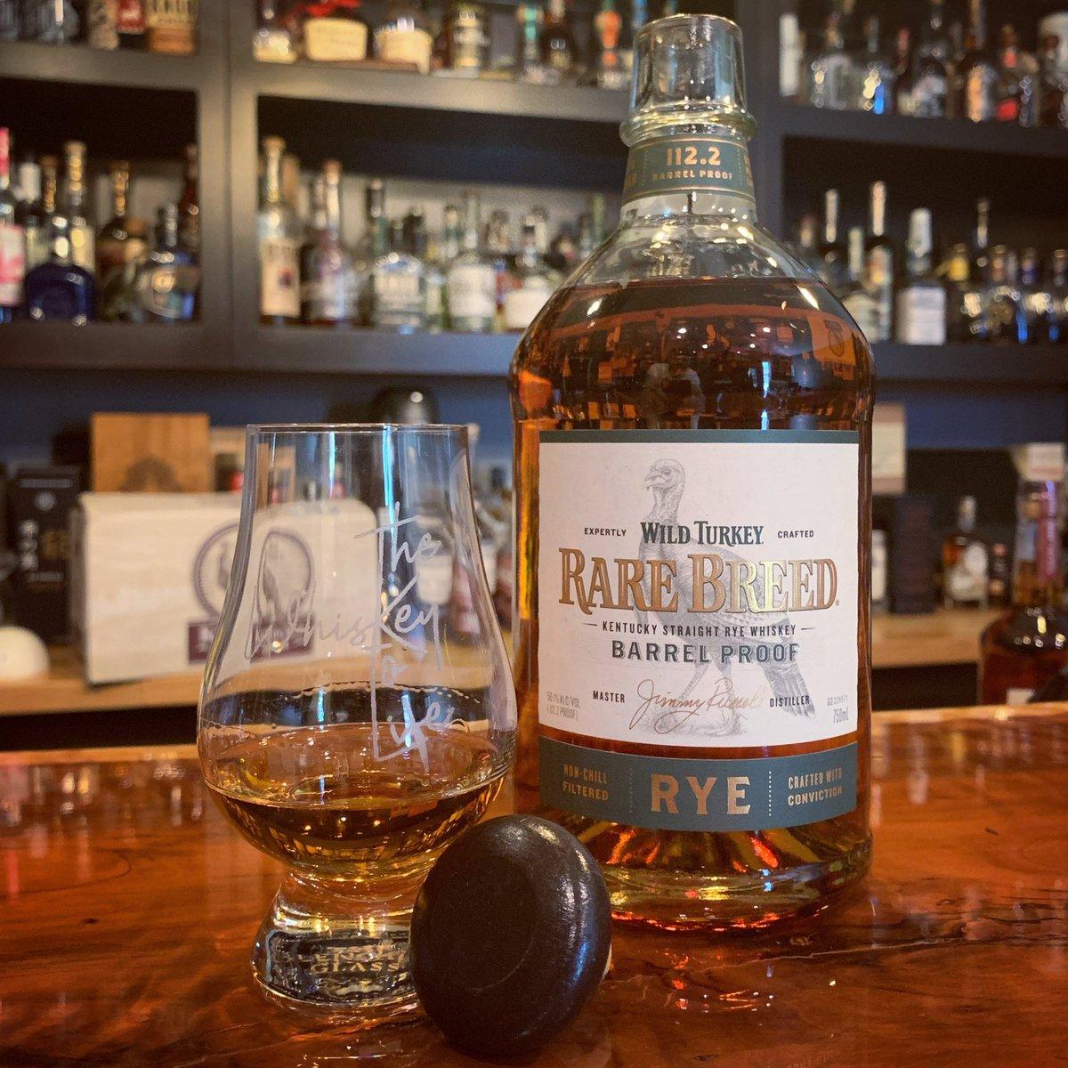Holy mother of all that's good in the world, this is incredible whiskey. Best release of the year. MKBIB level good.   #wildturkey #whiskey #whisky #whiskeytolife #rye #ryewhiskey #turkey #gobblegobble #jimmyrussell #rarebreed #rarebreedryepic.twitter.com/4ljYOhKZvx