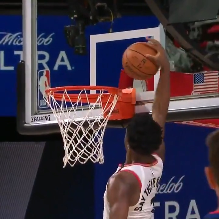 FVV finds OG on the break for the SLAM!  #WholeNewGame https://t.co/UxcRkq0quD
