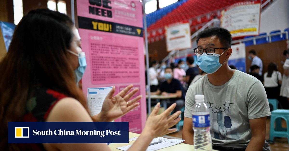chinas-young-jobseekers-struggle-despite-economic-recovery Photo