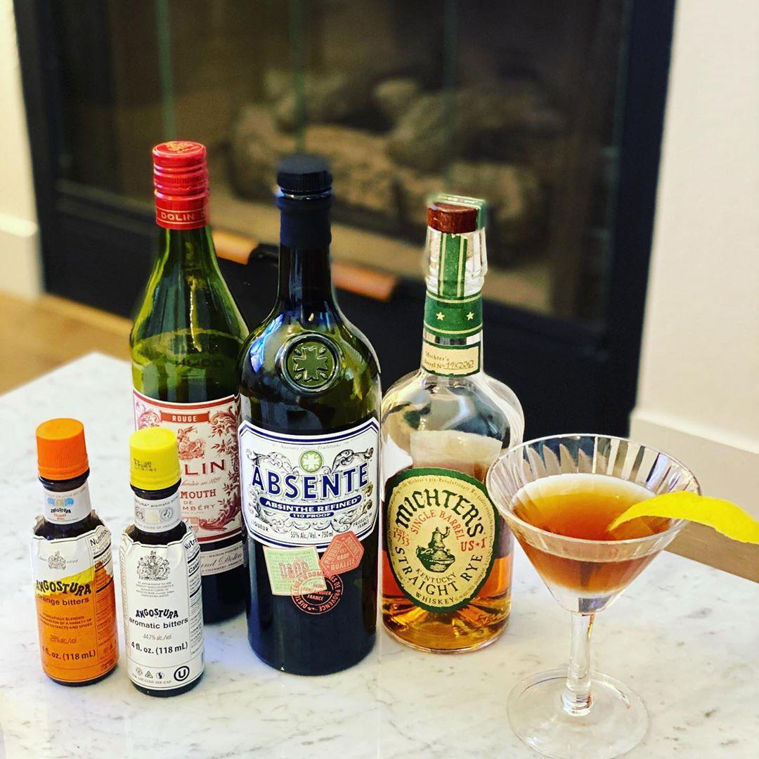Sherman Cocktail by @steve.1791  2 oz rye 1 oz sweet vermouth 1/2 teaspoon absinthe Dash Angostura bitters Dash orange bitters Lemon peel garnish  #cocktails #cocktailsofinstagram #rye #ryewhiskey #whiskey #whiskeygram #absinthepic.twitter.com/OA4YAMQMKX